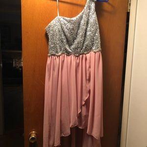 Dresses & Skirts - Hi Low Prom dress